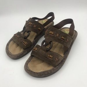 Earth Spirit Mulberry sandals size 5.5